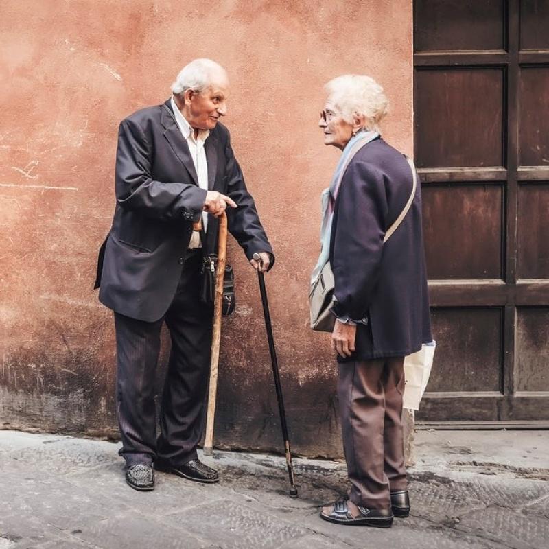 """Izglītojoša saruna """"Vecums mainīgā pasaulē"""""""