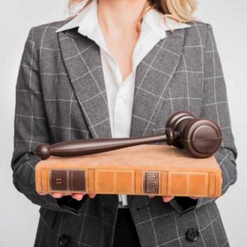 """Diskusija """"Vai tiesu izpildītāji darbojas sabiedrības labā?"""""""