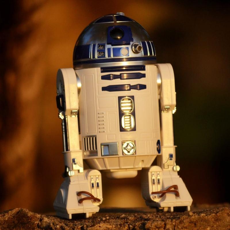 """Robotikas nodarbība bērniem """"Atdzīvini robotu!"""""""