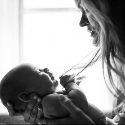 """Rīta rotaļāšanās mazuļiem un rīta saruna mammām """"Kā ir būt """"jaundzimušai mammai""""?"""""""