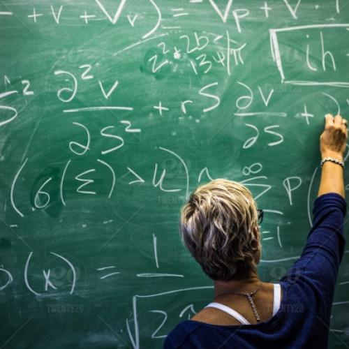 """Diskusija """"Vai pedagogs, kurš nav autoritāte ne vecākam, ne bērnam, var ko iemācīt?"""""""