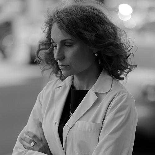 Karlīna Elksne