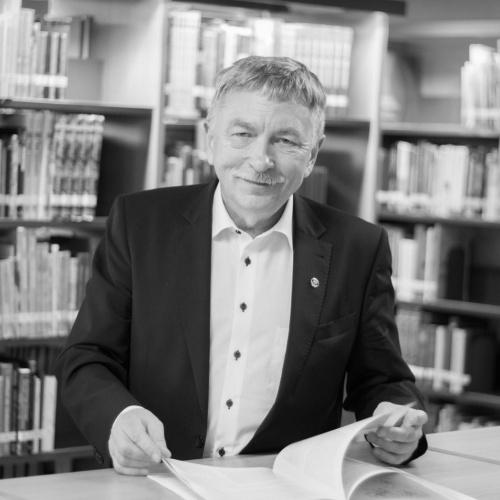 prof. Indriķis Muižnieks